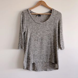 UO cozy knit top with 3/4 length sleeves sz M